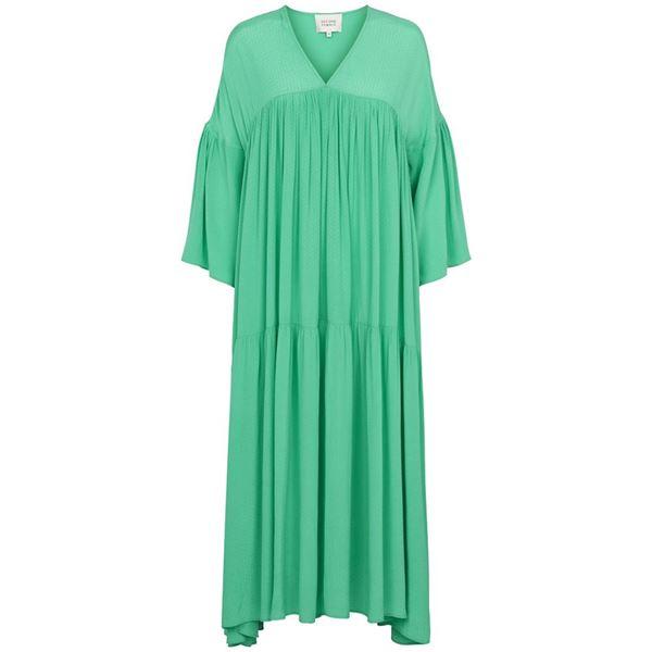 emanuelle kjole second female